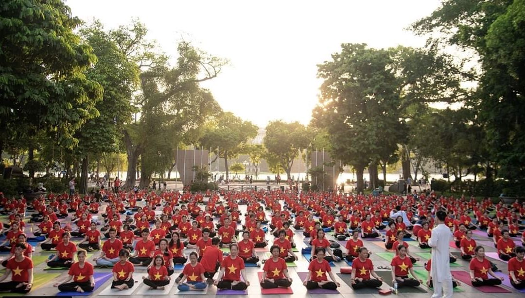 Hình ảnh hoạt động chào mừng ngày Quốc tế Yoga 21/6 tại Hà Nội